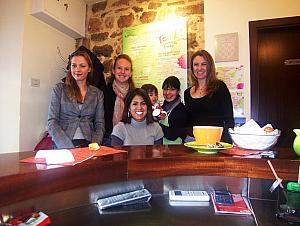Kelly's lunch party with some of her friends at Tonik Juice Bar. From left to right: Milda, Kelly, Elisa, Beli (the toddler), Ivana, Paula.