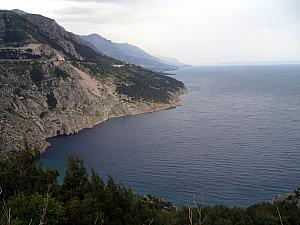 View along the coastal road south of Split.