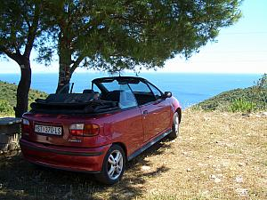Our rental car, overlooking Stiniva Bay. This was a Fiat Punto circa early 90s.
