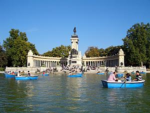 Rowing in Retiro Park