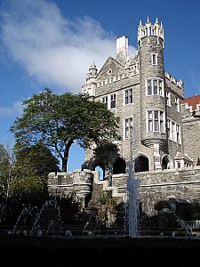 anyway, it's a beautiful castle, and has been operating as a museum by the Kiwanas Club since the 1930s.