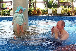 Jay going under water to make Capri laugh
