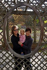 Kelly, Capri and Grammy