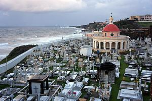 Cemetery next to El Morro fort